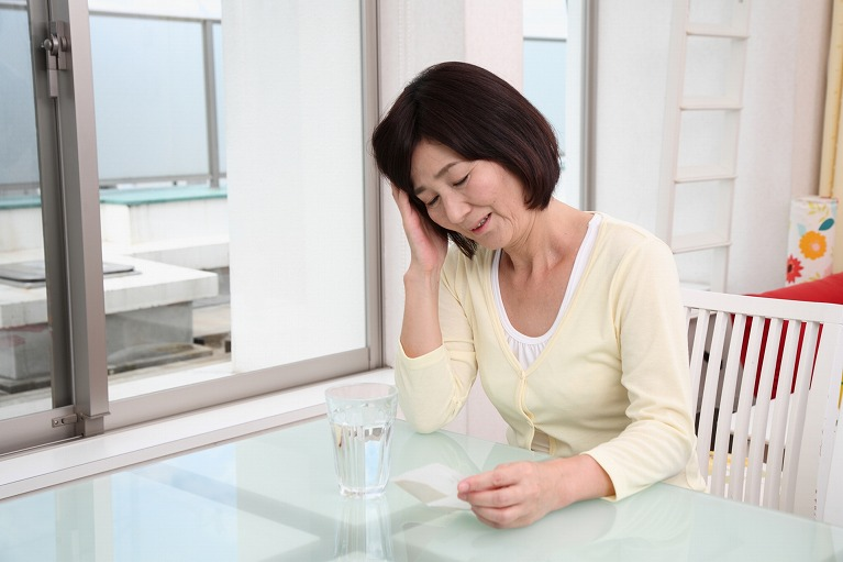 好酸球性中耳炎で起こる症状は?