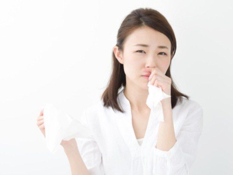 透明ではなく黄色い鼻水が出る原因は?